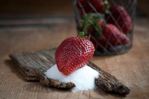 Kilo cytryn zawiera więcej cukru niż kilo truskawek!