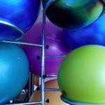 body ball dlaczego warto kupić piłkę do ćwiczeń?